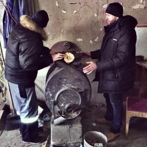Собрали печь Булерьян своими руками и греются