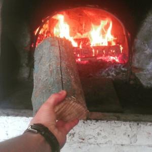 Растопка русской печи дровами