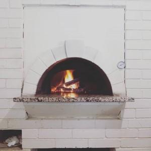 Белая печь в доме
