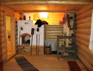 Русская печка с лежанкой в деревянном доме