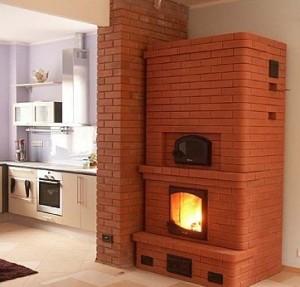 Русская печь с камином в доме
