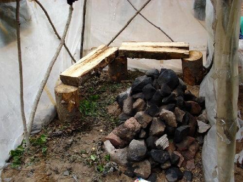 Печь для походной бани из камней