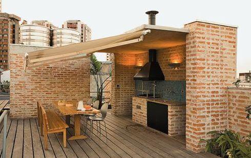 Кирпичный мангал с крышей
