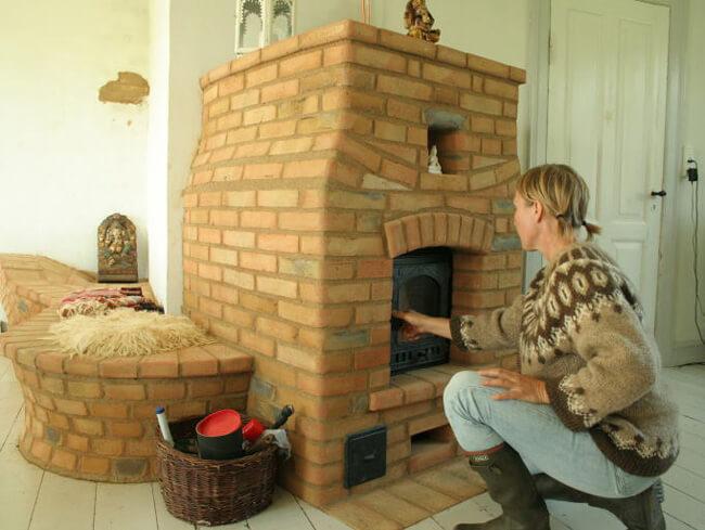 Дровяная печь для дачи из кирпича