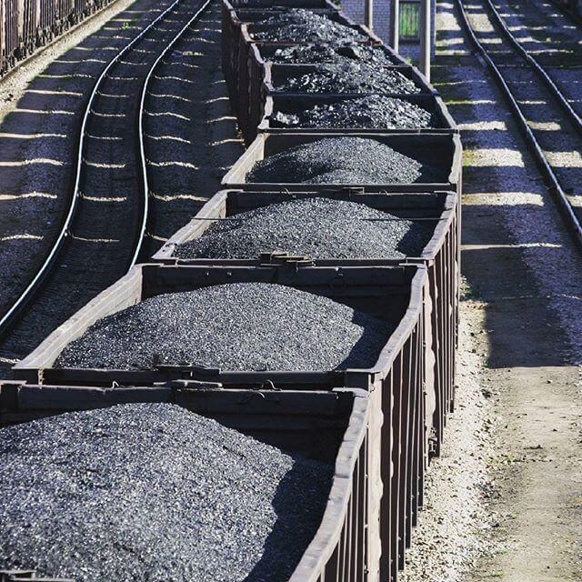 При какой температуре происходит горение каменного угля?