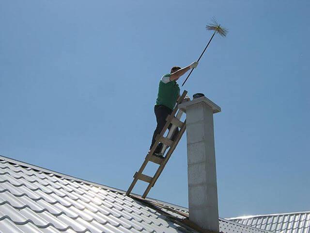 Чистка дымохода с крыши