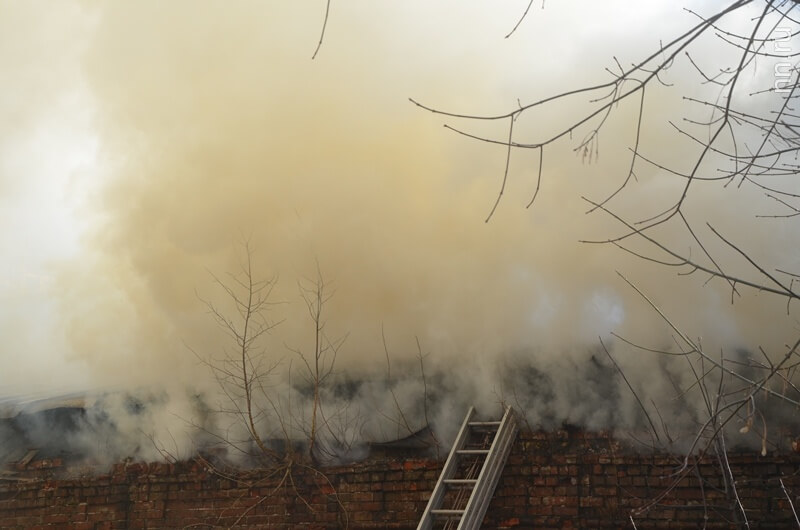 Дым из дома