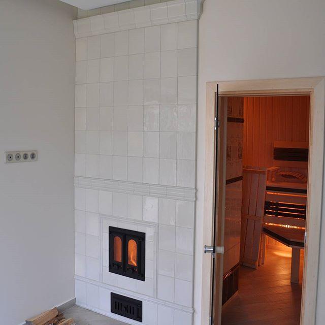 Банная печь с закладкой дров из другой комнаты