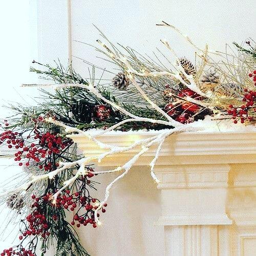 Декор каминной полки к Новому году