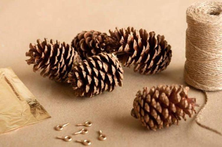 Декор камина к Новому году и Рождеству своими руками